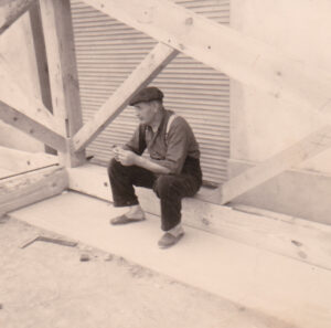 1964_Papi_Poyartin_montage_charpente